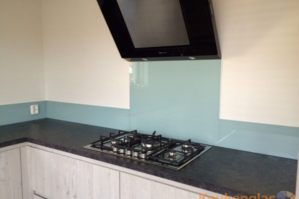 Glazen keukenwand VT Wonen kleur early dew
