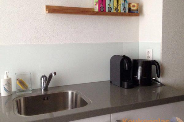 Witte keukenwand Amersfoort