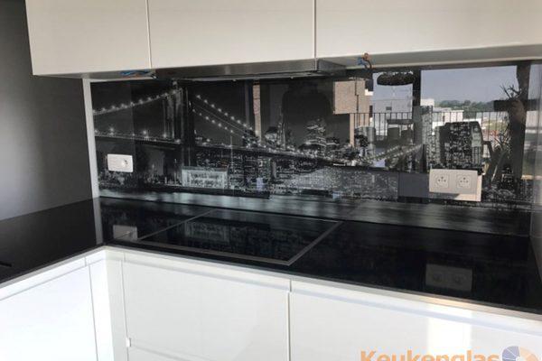Zwart wit foto Amerikaanse stad op glazen achterwand