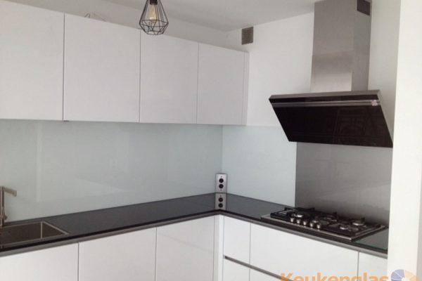Witte glazen keukenwand Amersfoort